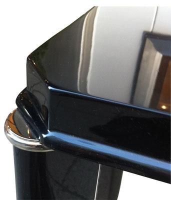 Zierlicher Konsolentisch in schwarz Detailansicht