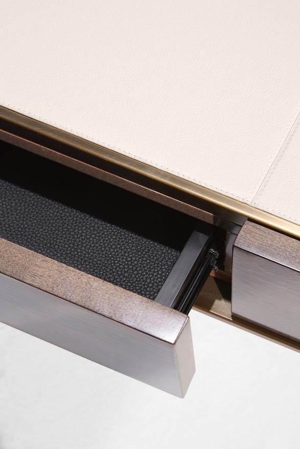 Schreibtisch PARIS. B.130 x T.65 x H.76 cm