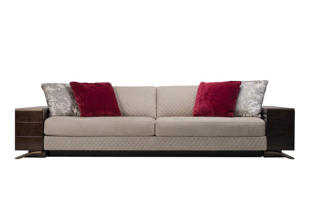 Sofa HAUSSMANN. B. 200/ 240/ 270/ 300 x T.104- H. 82 cm