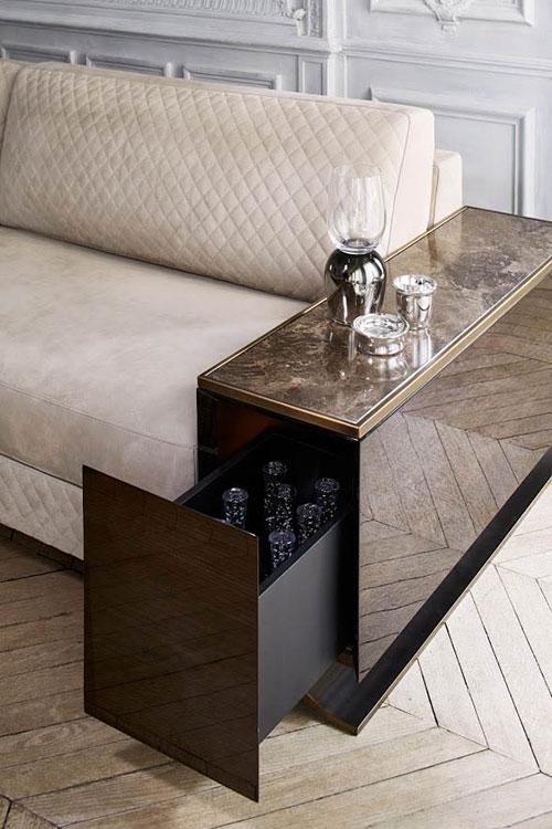Sofa mit HAUSSMANN. B. 200/ 240/ 270/ 300 x T.104- H. 82 cm