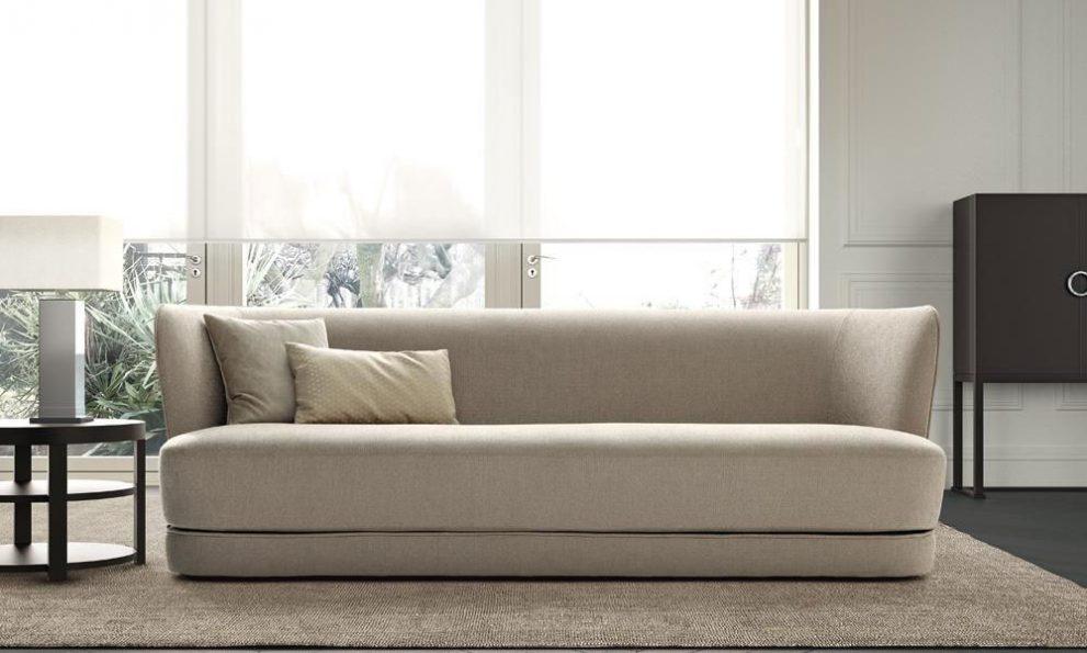 Sofa ROYALE, B.250 oder 300 x T.102 x H.82 cm