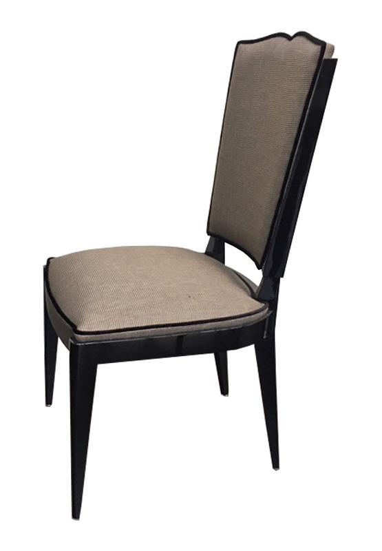 Stuhl Originale Seitenansicht 555x800
