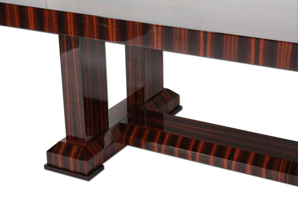 Tisch T048 in braun Detail 1000x700