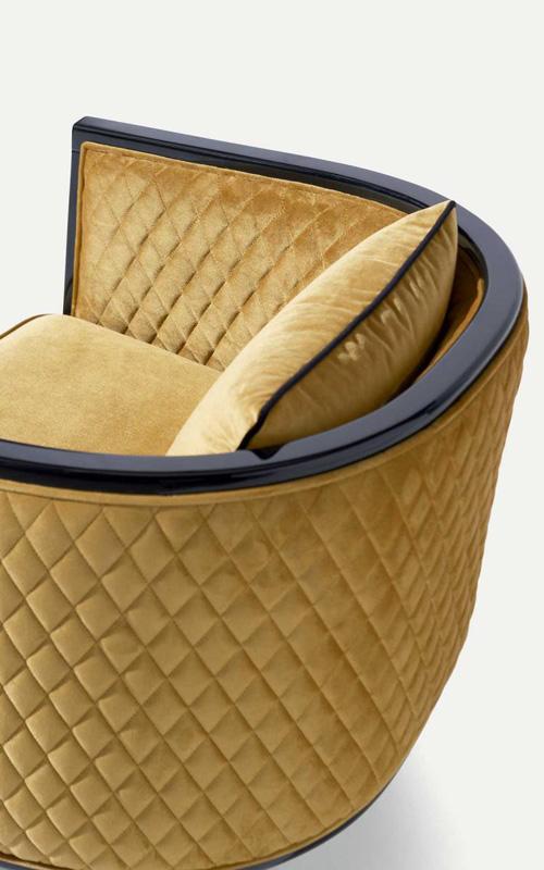 Sessel Saten in den Farben goldgelb und schwarz, Bezug Velours
