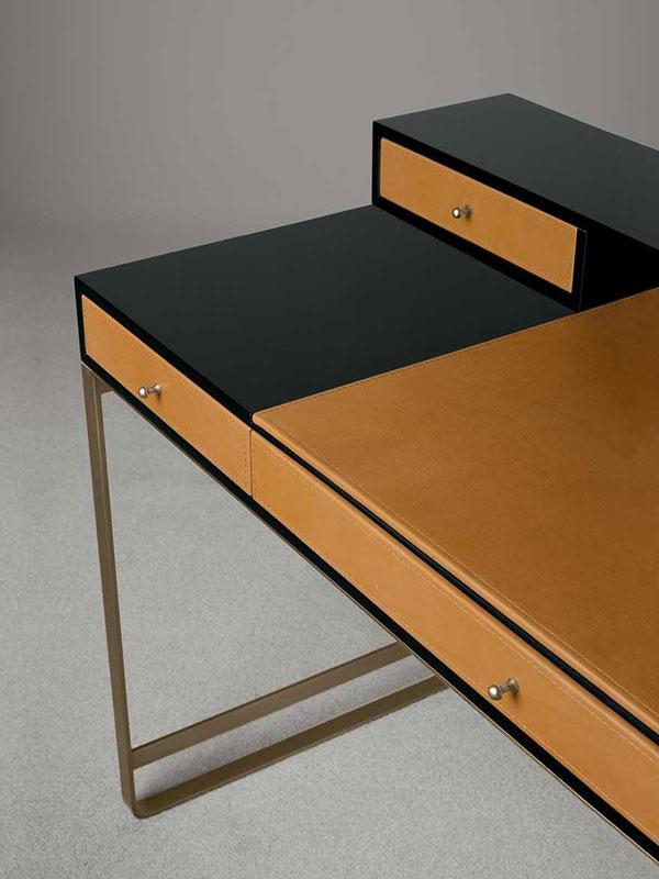 Schreibtisch PROUST in schwarz braun Detailaufnahme