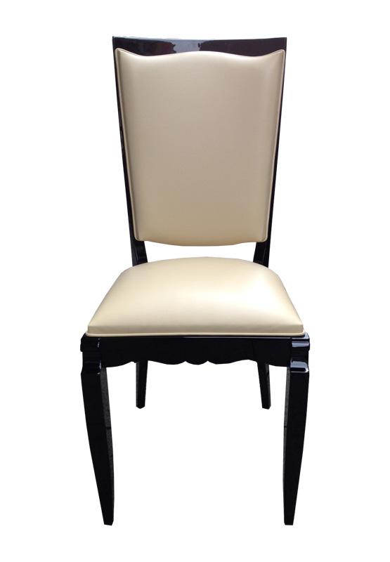 Stuhl in beige und schwarz Frontansicht