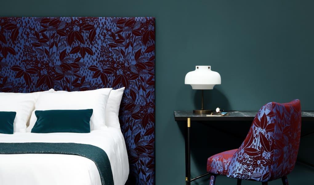 Schlafzimmer in dunklem Stil von Lelievre Paris