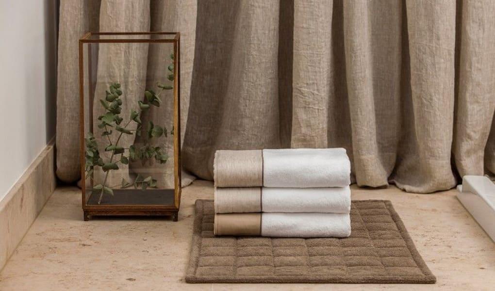 Handtücher für das Badezimmer von LUIZ