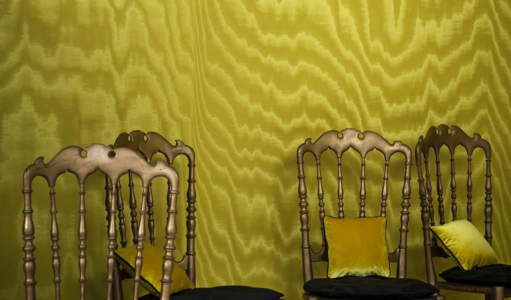 Wandverkleidung in gelben Stil von Dedar Milano