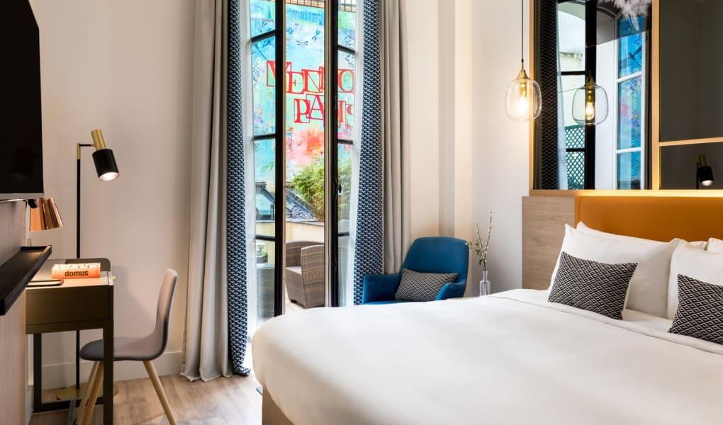 Hotelzimmer, ausgestattet mit Stoffen von Lelievre Paris